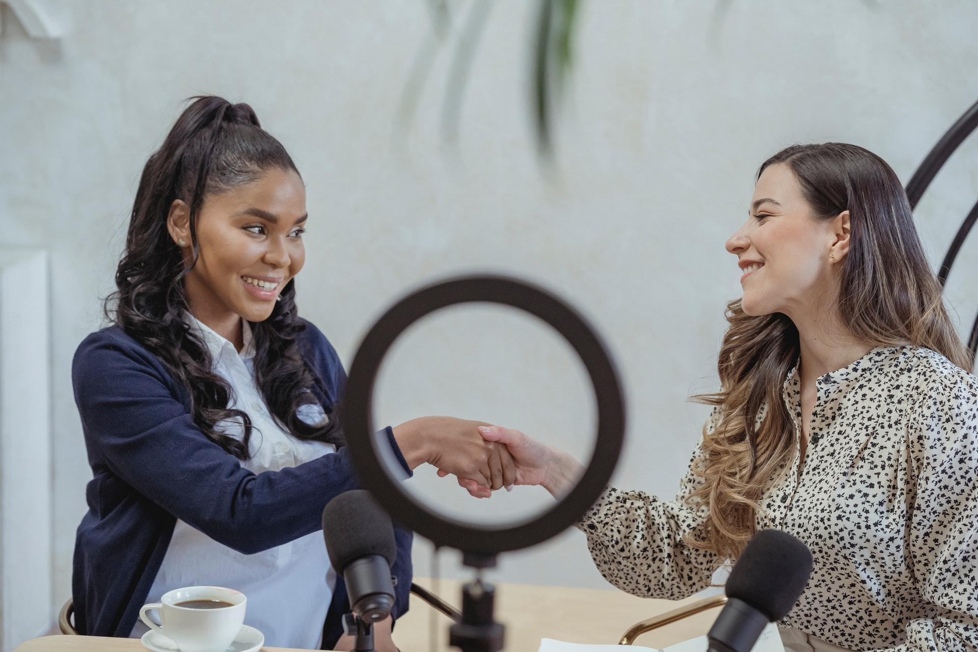 women-handshake